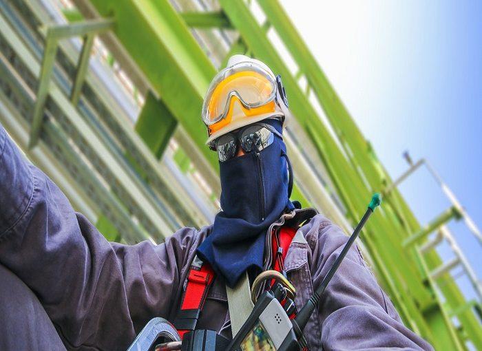 آموزش کارگران در مسائل حفاظت شخصی